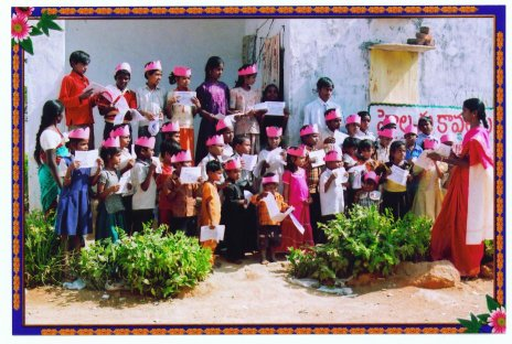 street children in Andhara Pradesh, India after receiving the Read-and-Color books